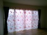 一階の寝室は、スペイン製のオパールプリントで立体的なデザインに